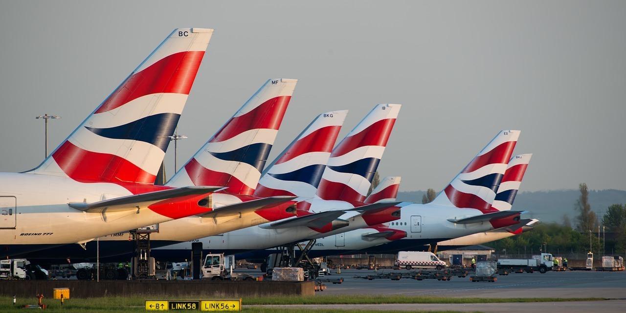 british-airways-planes-waiting-at-airport